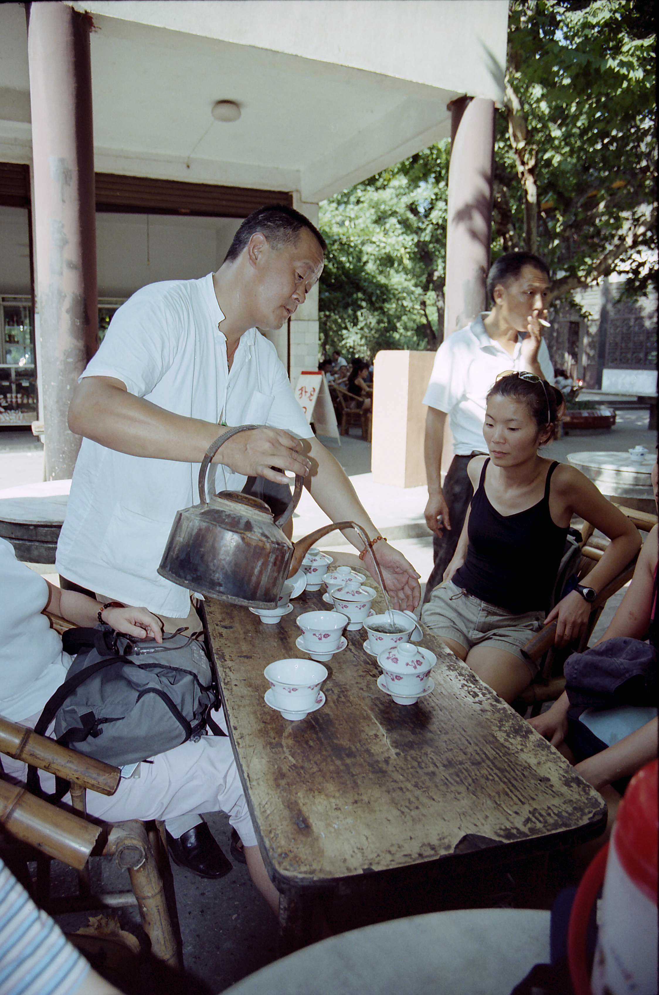 Serving tea, Xian China.jpg